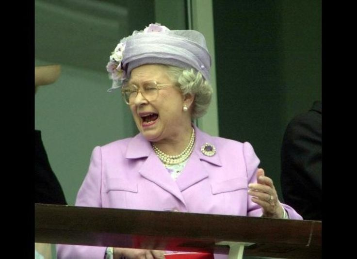 Her Royal Hilariousness: 30 Funny Pictures Of The Queen (PHOTOS)
