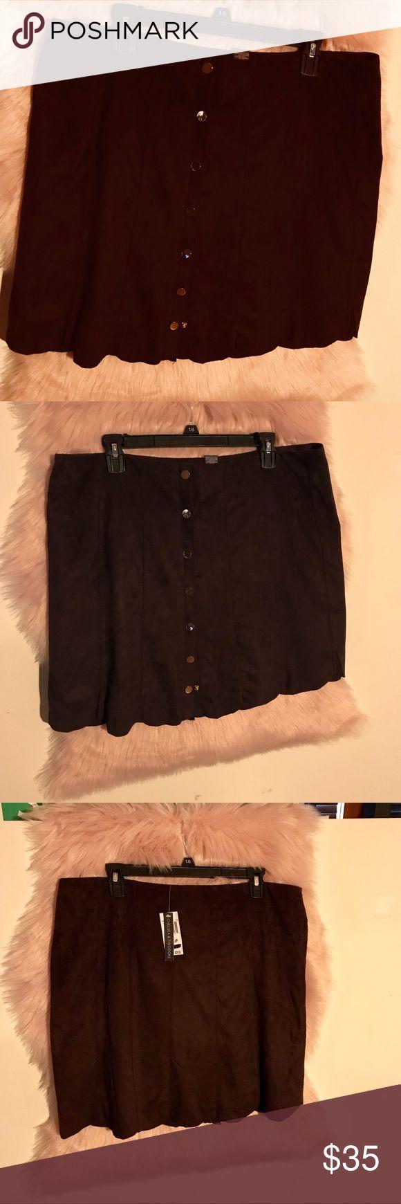 "Pretty Plum skirt XL Chelsea & Theodore. Plum color scalloped snap up skirt.   Crushed velvet feel. Plum lining. Very well-made. 19"" long Waist 37"" around.  Fun beautiful! Chelsea & Theodore Skirts"
