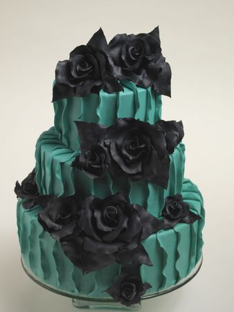 Emerald and black. reminds me of you @Sonia Zelezny