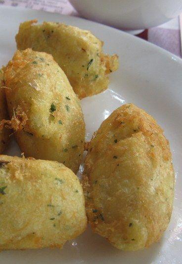 Les croquettes de morue, recette portugaise et aussi une recette macanaise parfaite pour un apéro en guise d'entrée