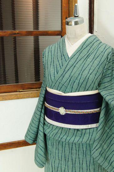 スモークがかった青緑の濃淡で浮かび上がる立涌縞が小粋な夢二好みの縮風単着物です。 #kimono