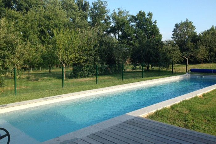 25 best ideas about margelle de piscine on pinterest for Bordure piscine bois
