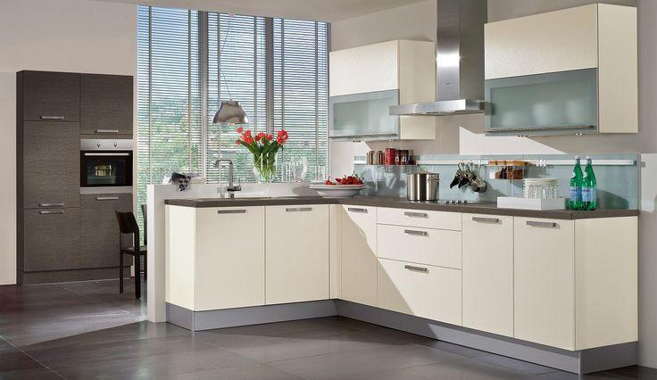 Unsere Einbauküche Alba in Magnolie - jetzt GRATIS Beratungstermin anfordern und Einbauküche von unseren Küchenprofis planen lassen.