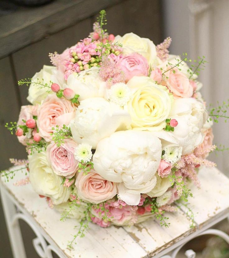 Nežná svadobná s pivonkami #kvetysilvia #kvetinarstvo #kvety #svadba #love #instagood #cute #follow #photooftheday #beautiful #tagsforlikes #happy #like4like #nature #style #nofilter #pretty #flowers #design #awesome #wedding #home #handmade #flower #summer #bride #weddingday #floral #naturelovers #picoftheday