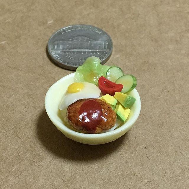 #ロコモコ #ハワイアンフード #ランチ #ハンバーグ #目玉焼き #ライス #アボカド #トマト #レタス #きゅうり #locomoco #hawaiianfood #lunch #hamburg #friedegg #rice #avocado #tomato #lettuce #cucumber 🍳 locomoco made from polymer clay. #claywork #handmade #miniature #miniaturefood #fakefood