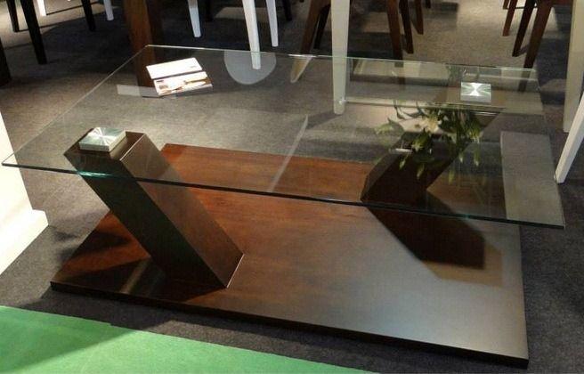 mesa centro oposit, lustrada con insertos de metal y tapa de vidrio. Muebles Blow info@mueblesblow.com.ar -Buenos Aires: Av Cabildo 4718, CABA (011) 4701-3092/4072-0640 -Córdoba: Ruta 14 y El brete, Arroyo Los Patos (011) 1541937769                                                                                                                                                                                 Más