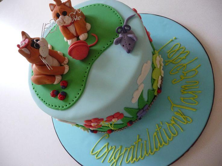 Ginger cats baby shower cake