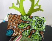 Aller simple pour Abidjan Vol n° 178 - Grande Pochette Tissu Africain Orange et Vert : Porte-monnaie, portefeuilles par une-embellie