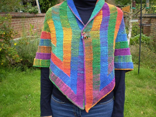 : Ten Stitch Triangle pattern by Frankie Brown FREE pattern: Go to http://pinterest.com/DUTCHYLADY/share-the-best-free-patterns-to-knit/ for more than 4100 FREE patterns to KNIT