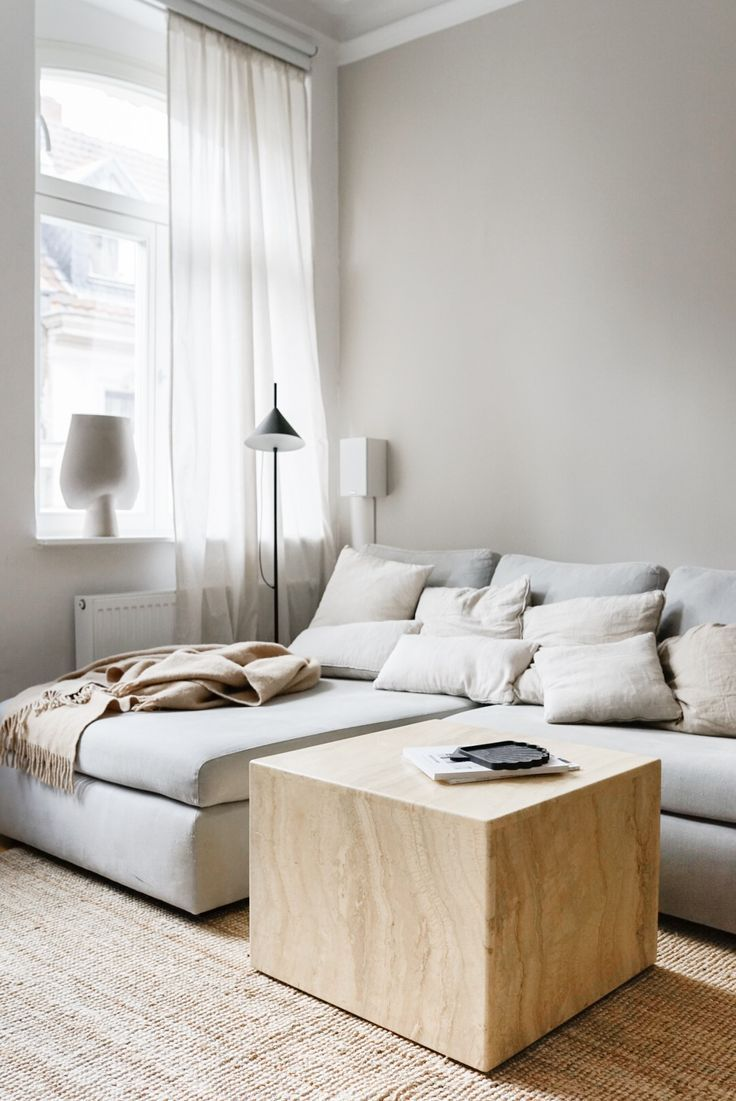 Neue Wandfarbe im Wohnzimmer von Alpina Feine Farben in 10