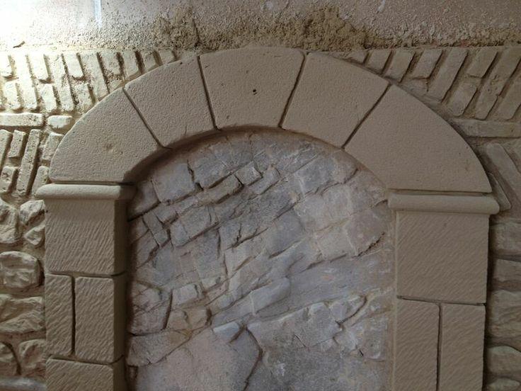 Arco de piedra artificial que realizan los alumnos de nuestro centro