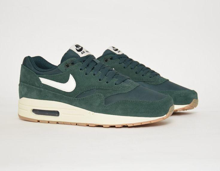 nike air max 1 green sneakers
