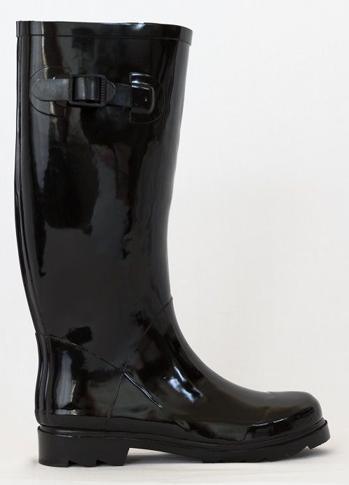 Into horseriding? Want your gumboots to go incognito? You can't go wrong with classic black. Purchase the 'Take the power black' gumboot at www.gumbootboutique.com