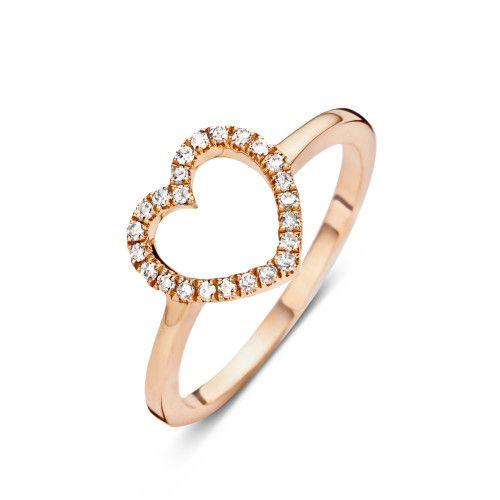"""Speciaal door onze Brand Ambassadrice Sofie """"Fashionata"""" Valkiers ontworpen voor Diamanti Per Tutti:  … hét cado bij uitstek voor alle geliefden …. De """"A little Heart for You""""  ring (roos goud verguld sterling silver met 24 diamantjes) voor pink of ringvinger !"""
