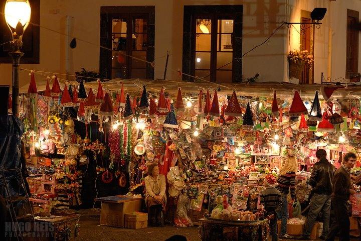Noite do Mercado / Night of the Market by Hugo Reis