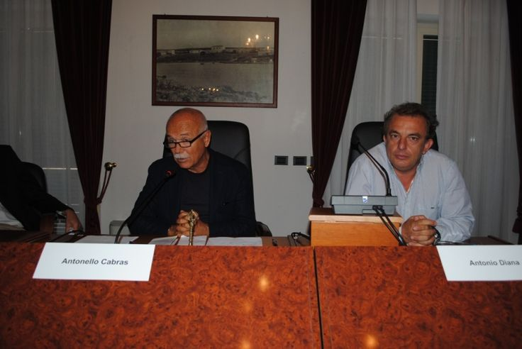 #Stintino Convegno archeologia: a des Antonio Diana a sin Antonella Cabras