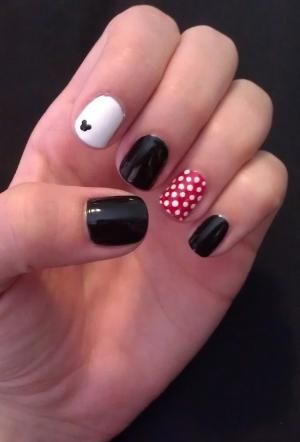 Minnie Mouse nails by marcianita