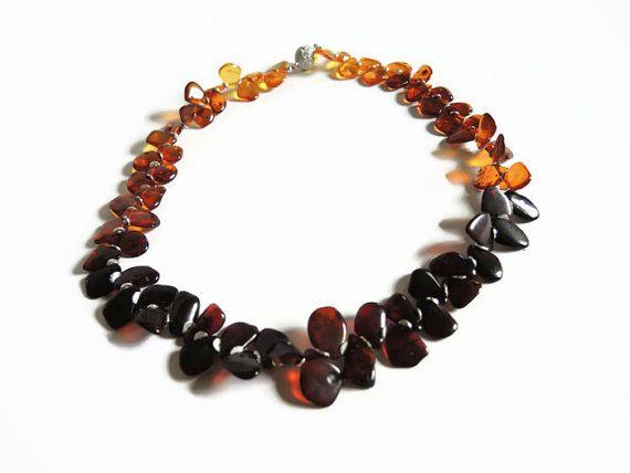 Bruin amber ketting,  kralen handgemaakt lightgewicht choker ketting van amber en sterling zilver afgewerkt met magneet sluiting