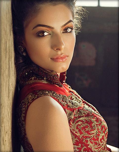 Desirable women softcore beautiful eyes