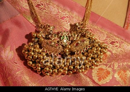 Traditional Gujarati kaari ganthi jewelry