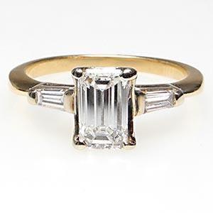vintage-emerald-cut-engagement-rings-diamond