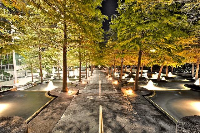 Fountain place dallas dan kiley landscape architect dallas for Place landscape architecture