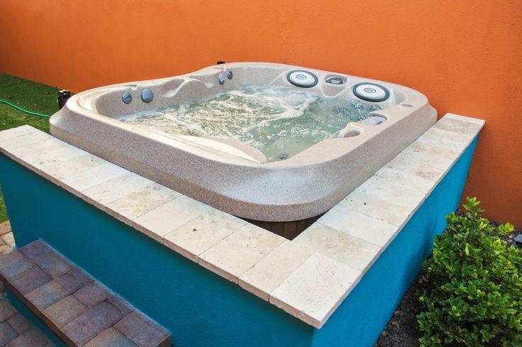 316 best spas jacuzzi en ext rieur images on pinterest for Jacuzzi exterieur 6 places