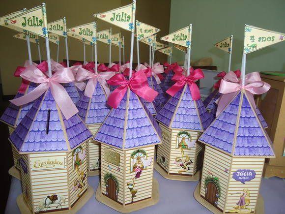 Torre/cofre em MDFcom o tema Enrolados/Rapunzel. PEDIDO MÍNIMO DE 20 PEÇAS. R$ 28,00