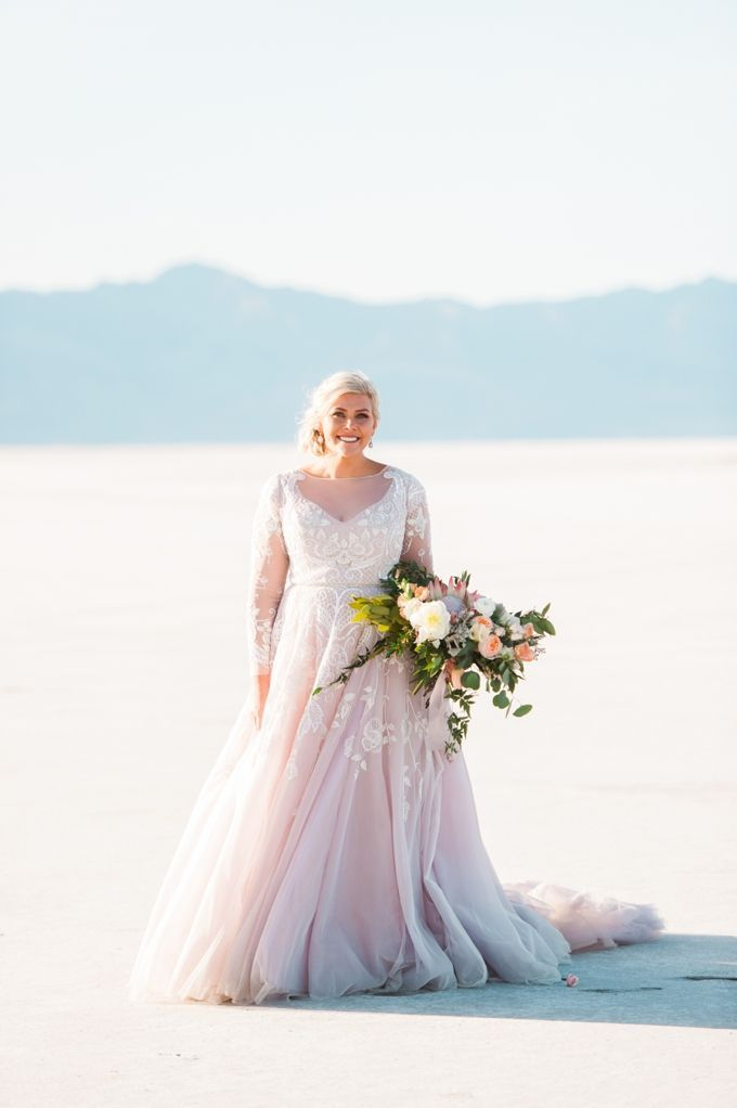 Off-White And Light Pink Lace Wedding Dress | Plus Size ...
