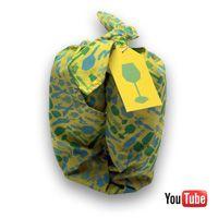 Met Wrappels wordt inpakken een makkie, zonder dat je er een schaar of plakband voor nodig hebt. Bovendien gooi je de verpakking niet in de prullenbak, maar je geeft Wrappels gewoon door.