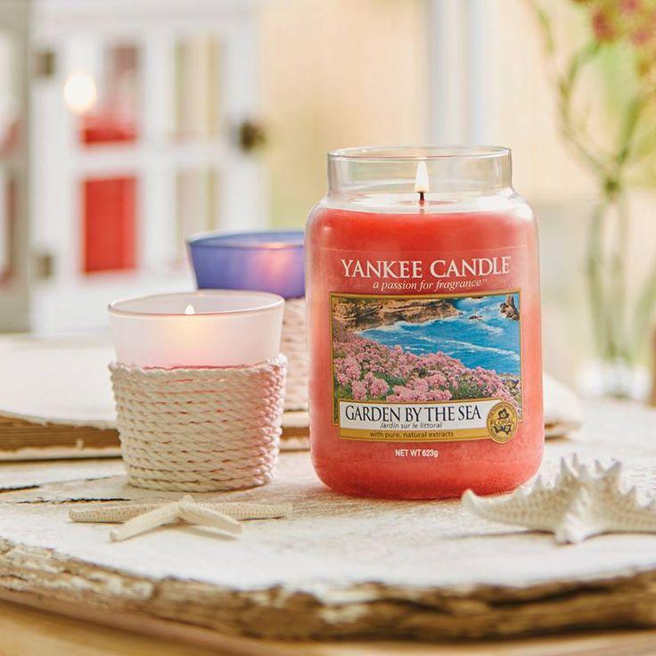 Un delicado aroma floral de clavelina marina, violetas y peonías con notas de fresia y flor de loto. Como un ramo de brillantes flores del océano.