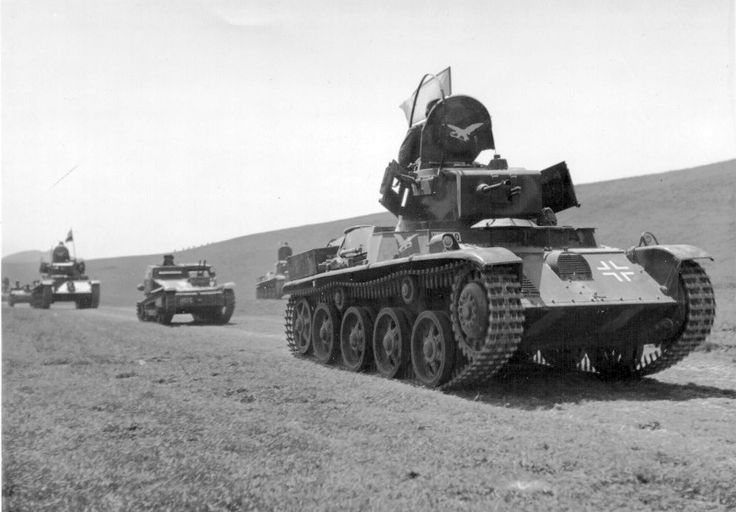 38-M Toldi + CV-35  38M Toldi light tanks + CV.35
