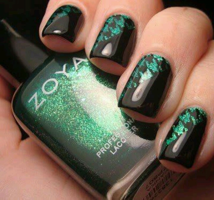 Dark Sparkly Green Nails with Houndstooth Design and Diagonal Black Tips by  Chloe's Nails (talk about complicated! - 21 Best Black And Green Nails Images On Pinterest Green Nails