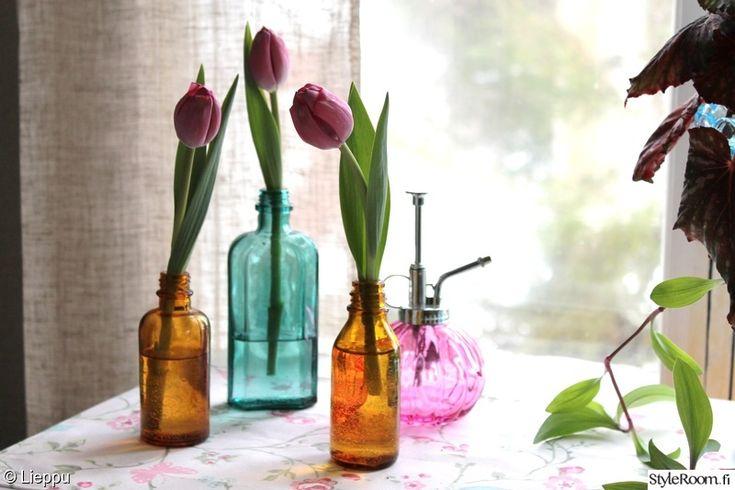 keittiö,vaaleanpunainen,värikäs,pöytäliina,kevät