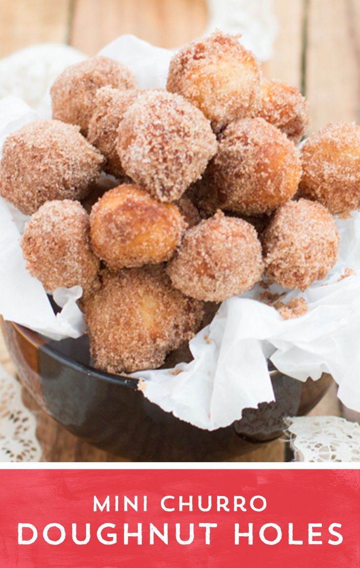 Looking for a tasty snack? Try these Mini Churro Doughnut Holes! This ...