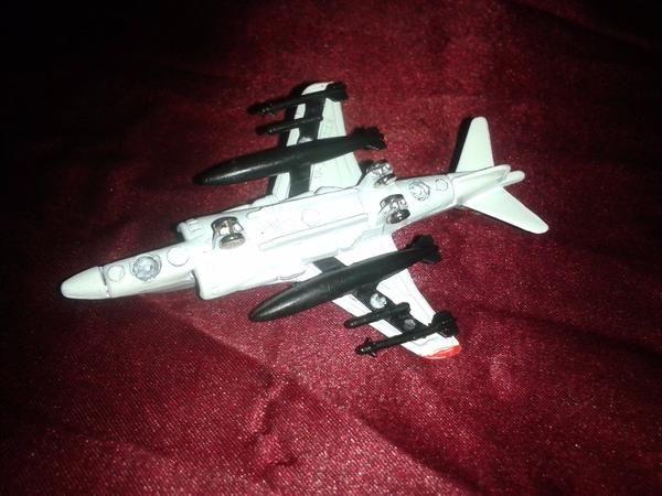 MOTORMAX McDonald Douglas USMC Diecast AV-8B Harrier II Jet Fighter.