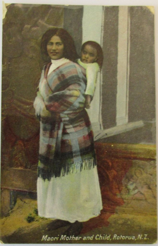 Maori mother and child , Rotorua , NZ , Rapholette Glosso  series , C Pakerson , used ,message  dated 1910