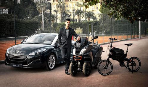 El tenista Novak Djokovic, embajador de la marca Peugeot   QuintaMarcha.comNovak Djokovic, número 2 del tenis mundial, es el nuevo embajador de Peugeot. De esta forma, la marca francesa refuerza su estrategia en este deporte al cumplirse 30 años de su vinculación con Roland Garros.