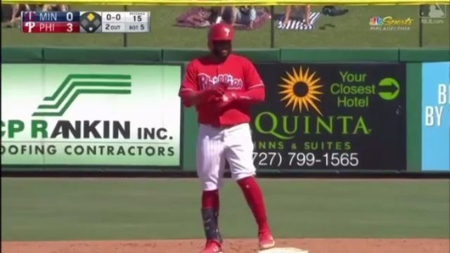 #PeloterosMLB | El inicialista  Carlos Santana (@slamtana_41) pega doble remolcador.  _ #DR #RD #DO #DOM #MLB #Beisbol #Baseball #Phillies #Filis #CarlosSantana #RepDom #Dominicana #Dominicano #PeloterosRD