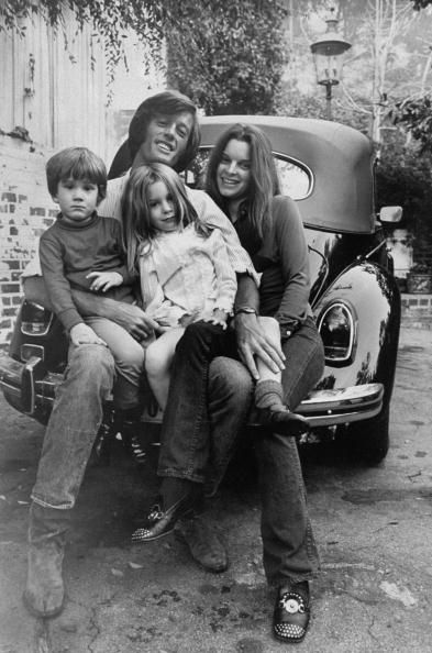 Peter Fonda with kids Justin and Bridget and wife Susan c ...