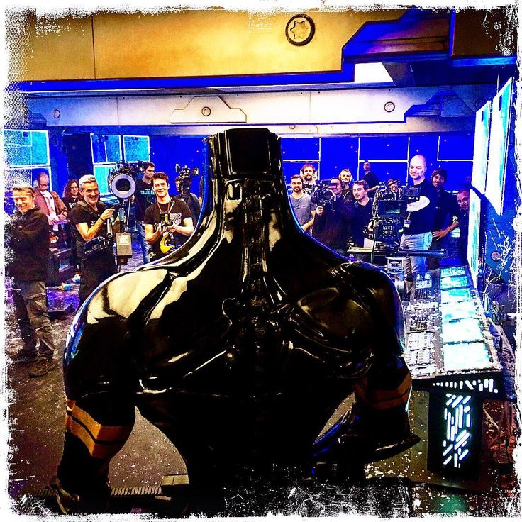DAY 81 A K-Tron facing the entire crew! #valerian