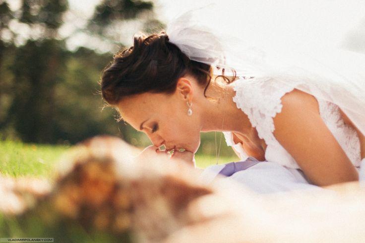 свадебный поцелуй   свадебный фотограф Владимир Полянский