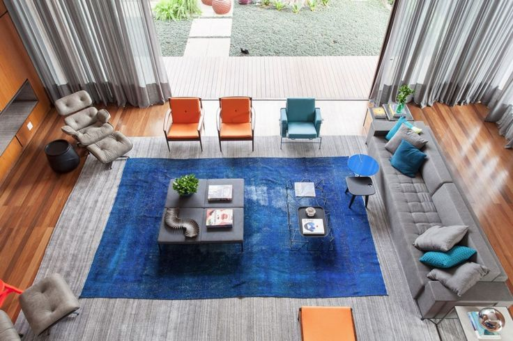 Suite Arquitetos completed the design of CASA IV, a vibrant residence located in São Paulo, Brazil