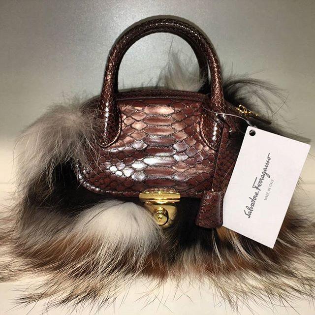 Salvatore Ferragamo Borsa / Bag #salvatore #ferragamo #bag #Borsa #Leather #pelle #madeinitaly #style #fashion #MODA #season #сумка #женская #l4l #стиль #мода #длянее #vscocam #design #Milano #Paris #Berlin #Amsterdam #monaco #dubai #onemoda