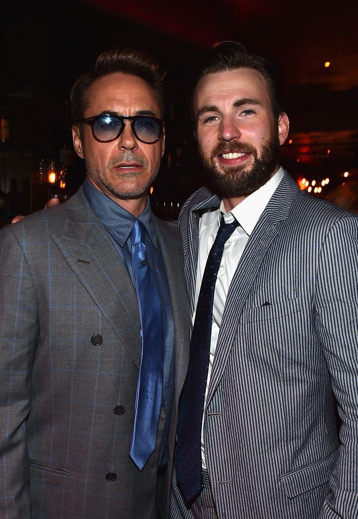 В Лос-Анджелесе состоялась мировая премьера фильма «Мстители: Эра Альтрона». Фоторепортаж. Мероприятие посетили Крис Хемсворт, Роберт Дауни-мл., Скарлетт Йоханссон, Крис Эванс, Джереми Реннер и другие звезды картины.