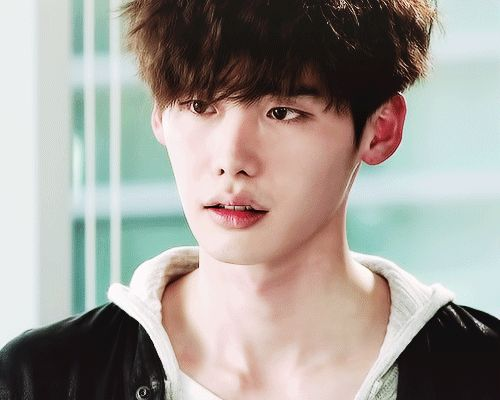 Lee Jong Suk - Doctor Stranger - His dirty look cannot be more perfect >_<