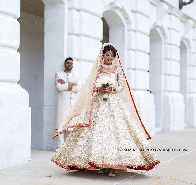 My beautiful couple from yesterday  ❄️❄️❄️❄️❄️ Ayaz weds Pushba  #AyeshaKhan #ayeshakhanphotography #Ayesha #michiganphotographer #Michigan #couple #desi #Shadi #Pubjabi #Bengali #BengaliBride #PunjabiGroom #pakistaniwedding #white⚪️ #femalephotographer