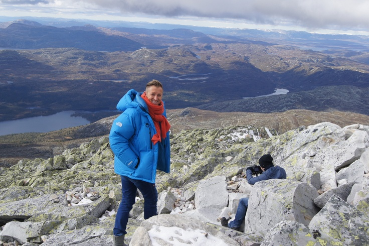 Gaustadtoppen er den plassen man ser mest av Norge- hele 1/6 på en skyfri dag. Naturen er spektakulær, og det er helt magisk der oppe! Ikke rart det er Norge`s tredje største turistattraksjon!