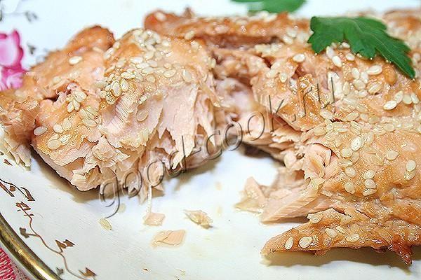 лосось запеченный под соевым соусом