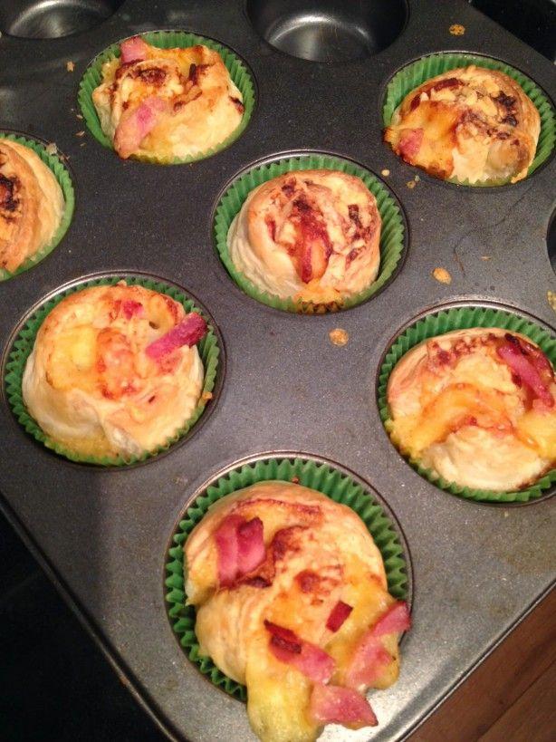 Gevulde rondjes, hier met ham en kaas maar bij het recept staan heel veel variaties